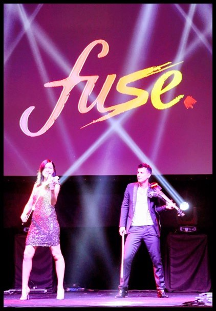 linzi stoppard and fuse string duo live entertainment at singapore grand prix
