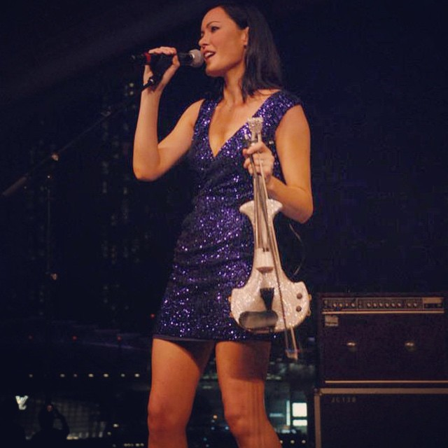 linzi stoppard electric violinist singapore fuse band