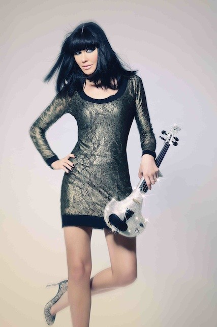 linzi Stoppard electric violinist hire london corporate entertainment