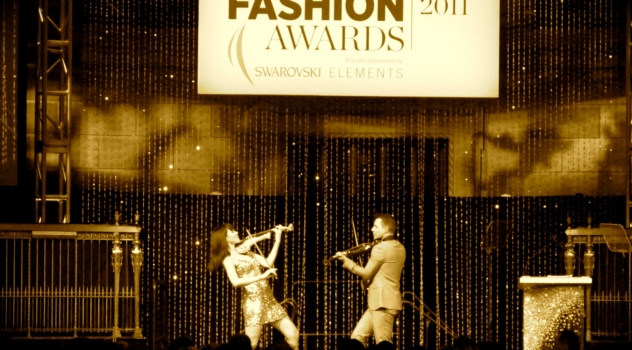 FUSE Electric Violinists Linzi Stoppard And Ben Lee Perform At NYC Fashion Awards