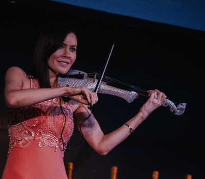 Electric Violinist Linzi Stoppard Live With FUSE In Liverpool