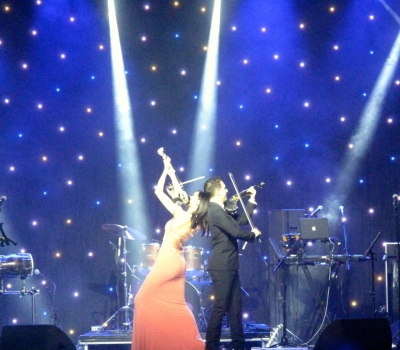 Electric Violin Duo Linzi Stoppard And FUSE Light Up Dubai